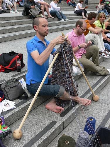 Knitting In Public : World wide knit in public day international yarn bombing